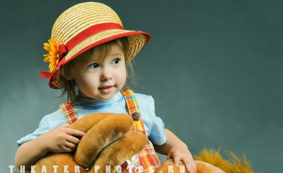 соломенная шляпка на ребёнке