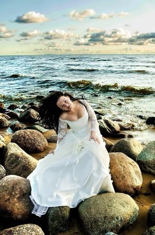 невеста в камнях