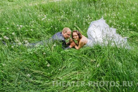 Петродворей в траве - свадьба