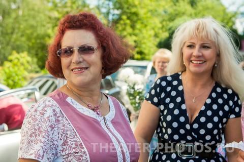 Тёти на свадьбе